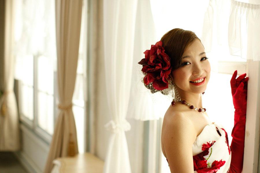 スタジオでカラードレスの結婚写真【京都市中京区】