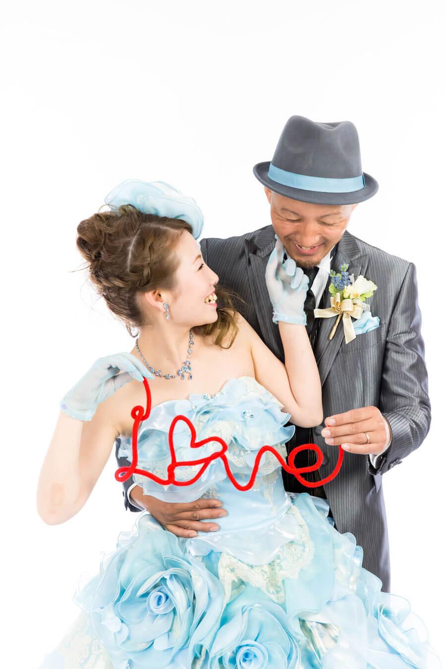 カラードレスでスタジオ撮影【京都ブライダル結婚写真専門店】