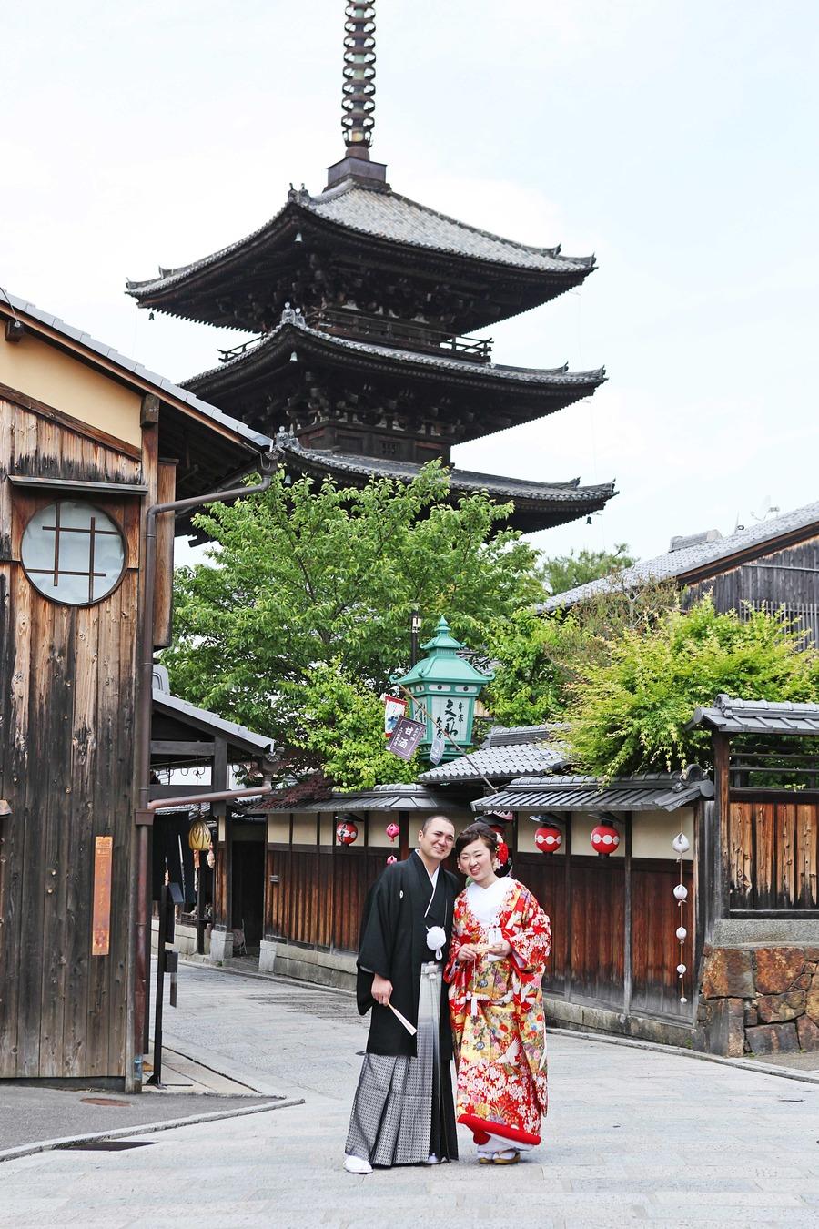八坂の塔をバックに和装前撮り 清水寺界隈