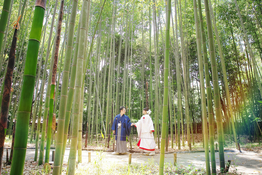 京都嵐山の竹林で和装フォトウェディング