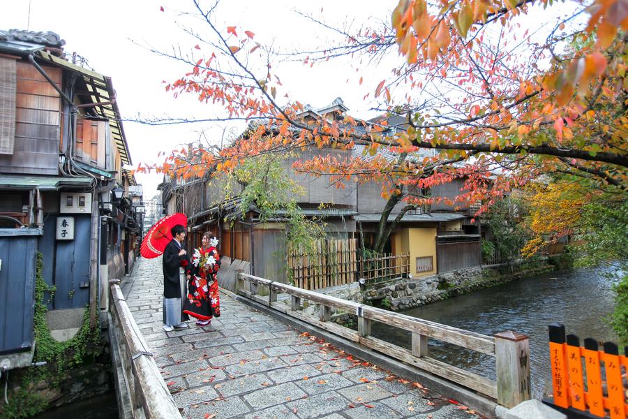 紅葉シーズンの祇園