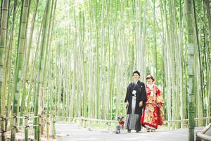 竹林で愛犬と記念撮影