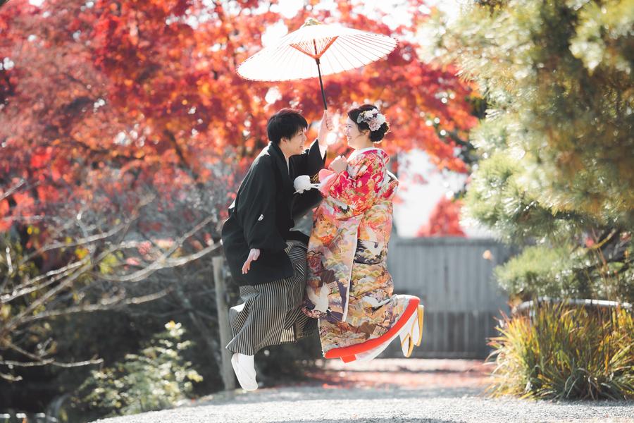 紅葉シーズンの結婚前撮り