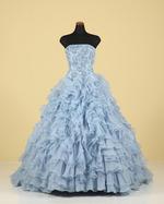ブルーのカラードレスで素敵な前撮りを残しませんか