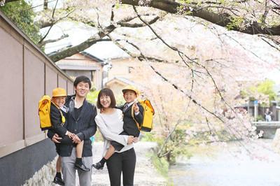 [毎年人気]桜シーズンの入学記念撮影とファミリーフォトのご案内